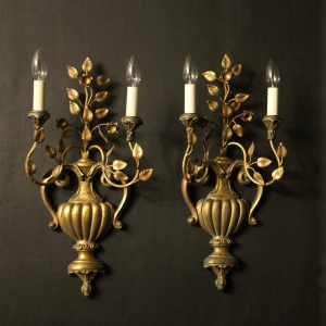 Italian Pair Of Giltwood 'Palladio' Wall Lights